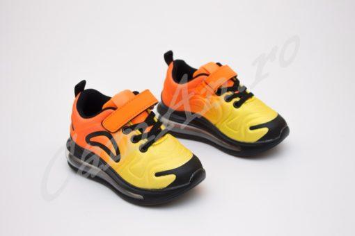 adidasi colorati perne aer