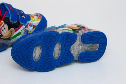 adidasi albastri cu personaje animate