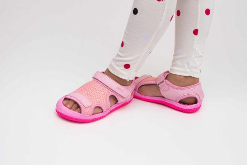 sandale roz din panza pentru fete