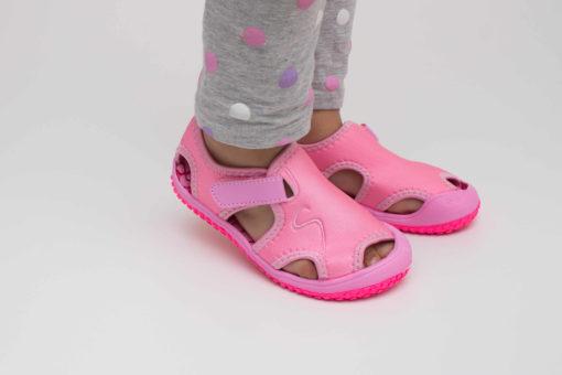 sandale roz pentru copii