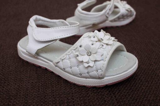 sandale albe cu flori