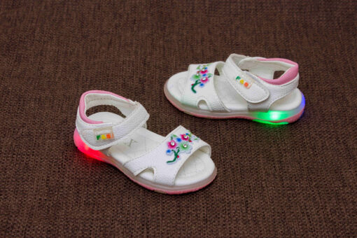 sandale cu floricele