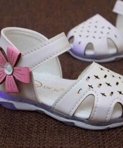 sandale cu led inchise in fata