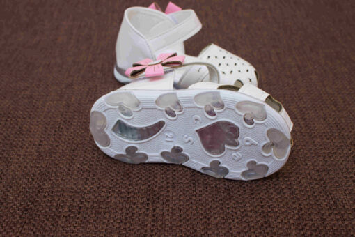 sandale inchise in fata pentru fete