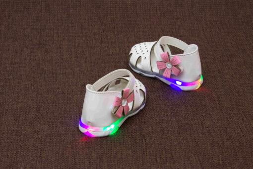 sandalute cu led pentru fete