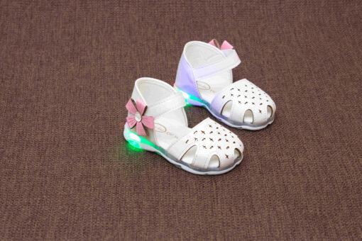 sandalute pentru fete