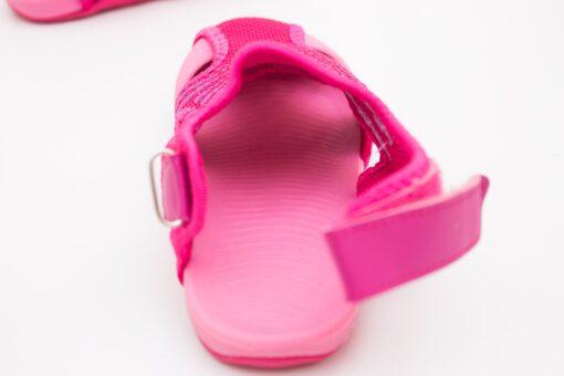 sandale cu talpa din cauciuc