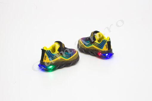 adidasi colorati cu led pentru copii